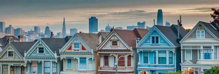Panoramic「Alamo square and Painted Ladies with San Francisco skyline」:スマホ壁紙(13)