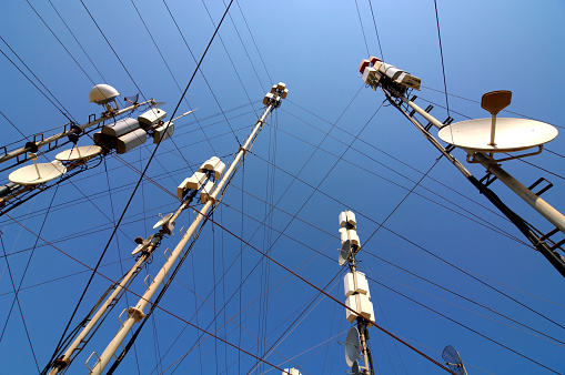 Pole「Telecommunication masts and satellites seen from below」:スマホ壁紙(10)