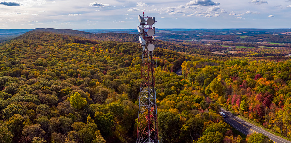 Ecosystem「Telecommunication cellular tower on a mountain ridge in the Appalachian Mountains in the fall.」:スマホ壁紙(14)