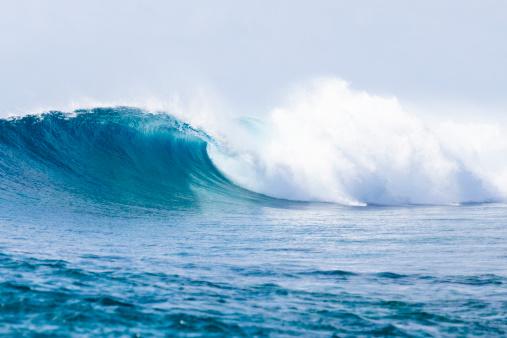 Wave「波の砕ける」:スマホ壁紙(2)