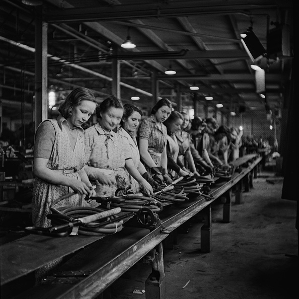World War II「Stirrup Pump Factory」:写真・画像(12)[壁紙.com]