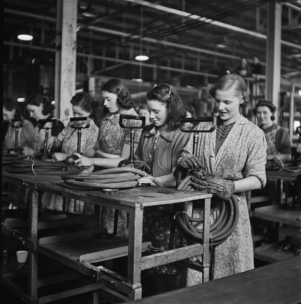 Only Women「Stirrup Pump Factory」:写真・画像(6)[壁紙.com]
