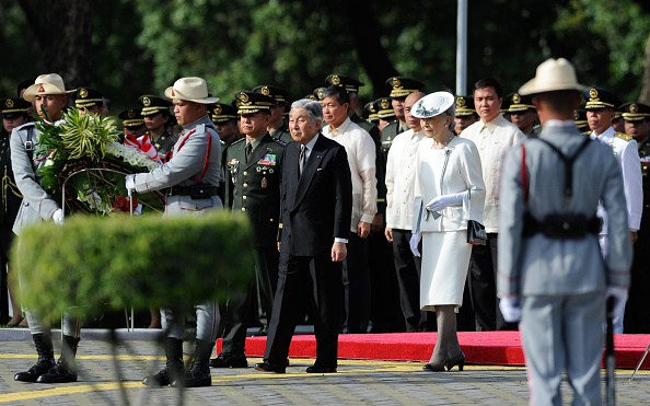 Emperor Akihito「Japan's Emperor And Empress State Visit To Philippines」:写真・画像(4)[壁紙.com]