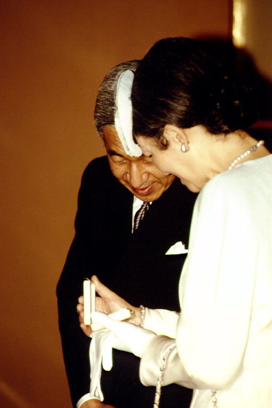 Japanese Royalty「John Paul II Meets Emperor Of Japan」:写真・画像(14)[壁紙.com]