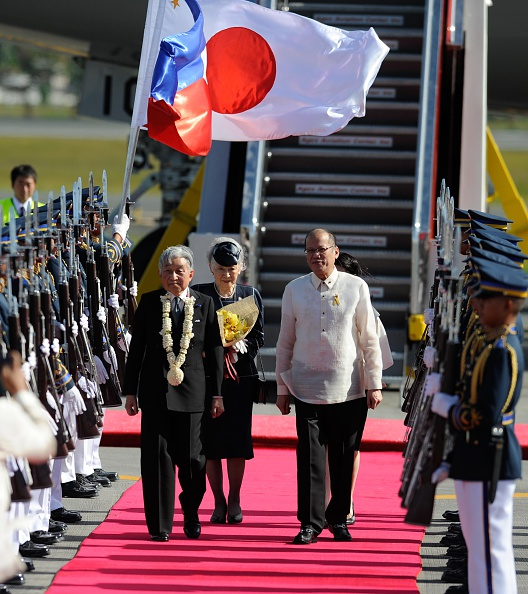 Emperor Akihito「Japan's Emperor And Empress State Visit To Philippines」:写真・画像(7)[壁紙.com]