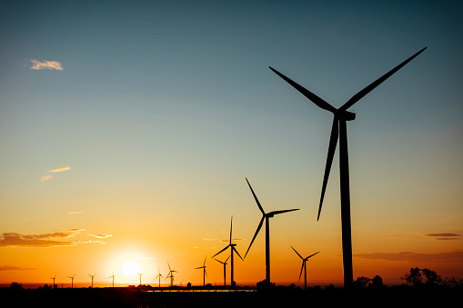 Wind Turbine「Spain, wind farm at sunset」:スマホ壁紙(14)