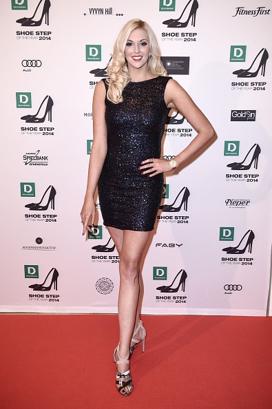 Form Fitted Dress「Deichmann Shoe Step of the Year 2014」:写真・画像(2)[壁紙.com]