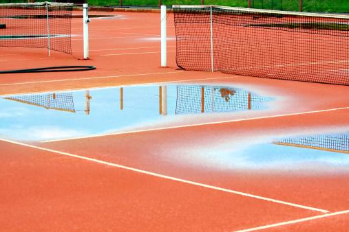 クレイコート「Tennis court after heavy rain」:スマホ壁紙(16)