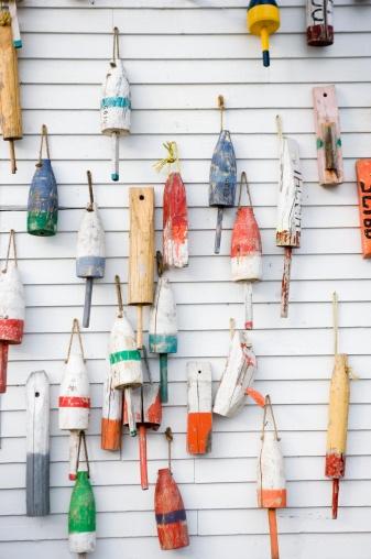 Buoy「Buoys on a wall in Maine」:スマホ壁紙(16)