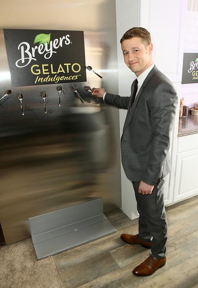 Gabriel Olsen「Breyers Gelato Indulgences Hospitality Lounge At The 30th Annual Film Independent Spirit Awards」:写真・画像(14)[壁紙.com]