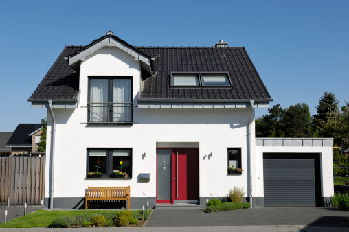 Building Exterior「Cute one-family house with garage」:スマホ壁紙(0)