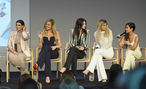 カイリー・ジェンナー「Apple Store Soho Presents Meet The Developers: Kim Kardashian, Kourtney Kardashian, Khloe Kardashian, Kendall Jenner & Kylie Jenner」:写真・画像(7)[壁紙.com]