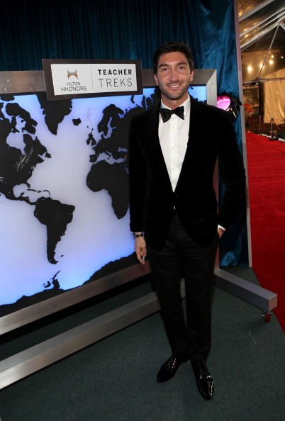 Evan Lysacek「NBCUniversal Golden Globes Viewing And After Party - Red Carpet」:写真・画像(10)[壁紙.com]