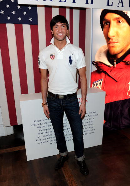 Evan Lysacek「Olympic Gold Medalist Evan Lysacek Celebrates Victory At Ralph Lauren」:写真・画像(9)[壁紙.com]