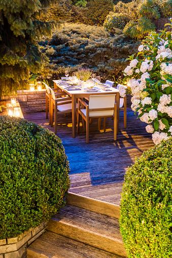 あじさい「Laid table on lighted terrace」:スマホ壁紙(2)