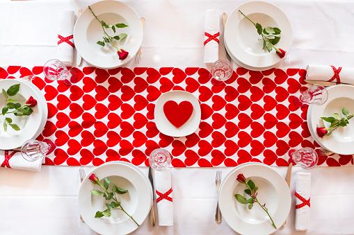 バレンタイン「Laid table at Valentines Day」:スマホ壁紙(15)