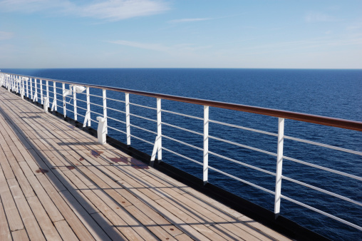 Boat Deck「Deck of a Cruise Ship」:スマホ壁紙(4)