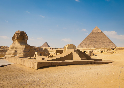 Egyptian Culture「Pyramids of Giza with Sphinx in Foreground」:スマホ壁紙(11)