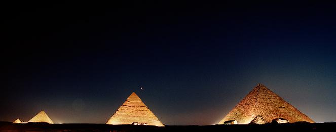 Pyramid Shape「Pyramids of Giza at night」:スマホ壁紙(8)
