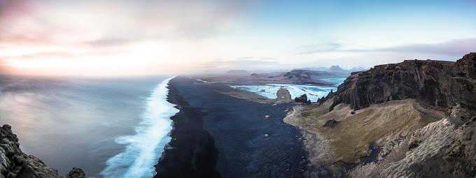 Dyrholaey「Iceland, Beach near Dyrholaey, Panorama」:スマホ壁紙(7)