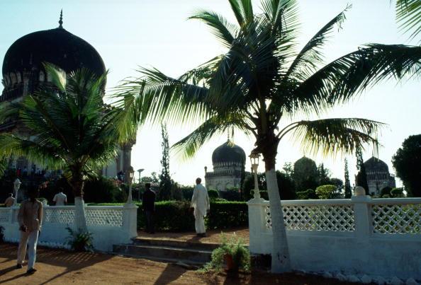 Monument「Qutab Shahi Tombs, Hyderabad, India」:写真・画像(14)[壁紙.com]