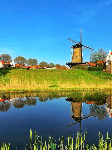 Dutch Culture「Dutch landscape with windmill」:スマホ壁紙(18)
