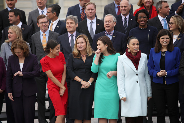 Sharice Davids「House Representatives-Elect Pose For Group Photo In Front Of U.S. Capitol」:写真・画像(19)[壁紙.com]