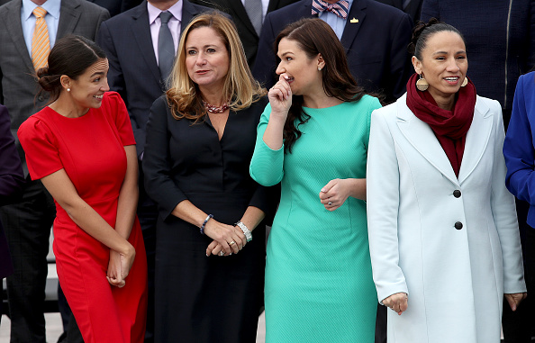 Sharice Davids「House Representatives-Elect Pose For Group Photo In Front Of U.S. Capitol」:写真・画像(3)[壁紙.com]