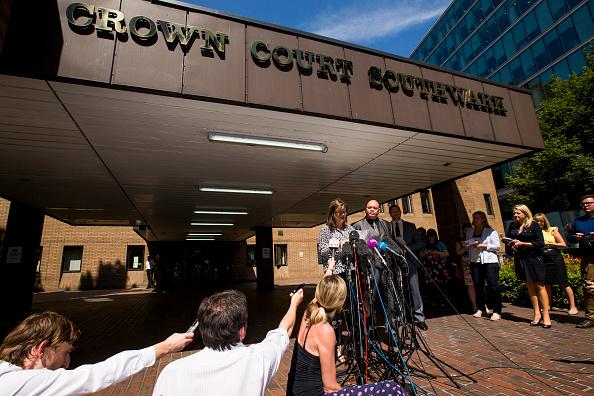 Tristan Fewings「Entertainer Rolf Harris Sentenced After Indecent Assault Trial」:写真・画像(2)[壁紙.com]