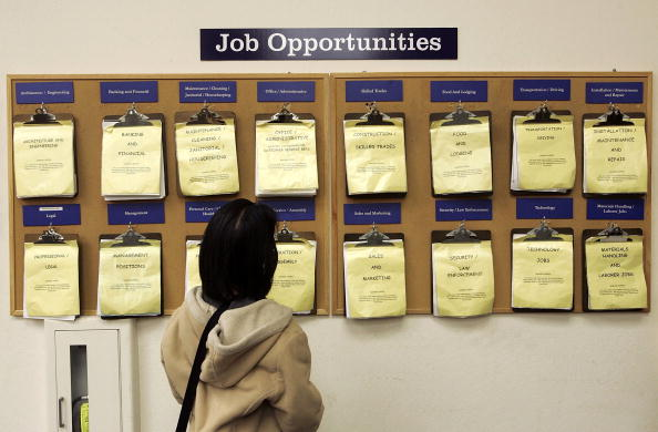 Employment And Labor「U.S. Jobless Claims Fall To Near Six-Year Low」:写真・画像(0)[壁紙.com]