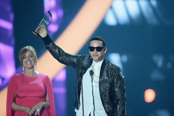 Award「Billboard Latin Music Awards - Show」:写真・画像(2)[壁紙.com]
