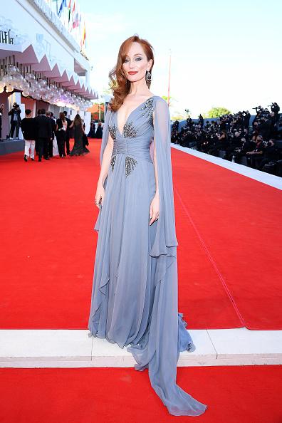 "77th Venice Film Festival「""Lacci"" Red Carpet And Opening Ceremony Red Carpet Arrivals - The 77th Venice Film Festival」:写真・画像(5)[壁紙.com]"