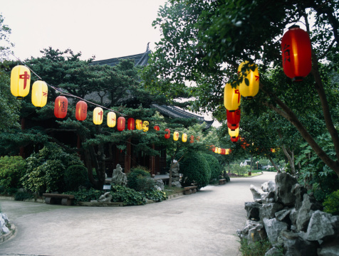 Chinese Lantern「Lanterns in Park」:スマホ壁紙(18)