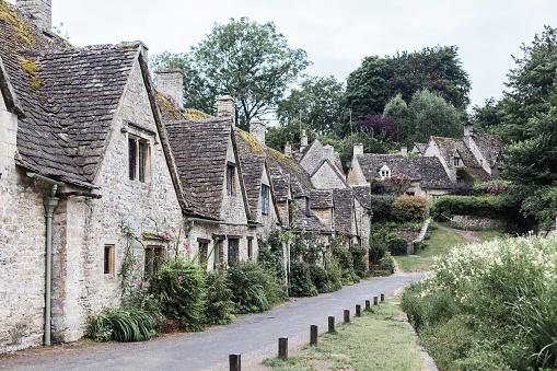 コッツウォルズ「Ampney Crucis, Cotswolds, Gloucestershire, England, UK」:スマホ壁紙(11)