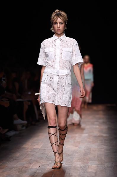 Womenswear「Valentino : Runway - Paris Fashion Week Womenswear Spring/Summer 2015」:写真・画像(11)[壁紙.com]