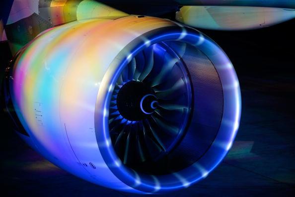 Airbus A380「Airbus Rolls Out First Qantas Liveried A380」:写真・画像(9)[壁紙.com]