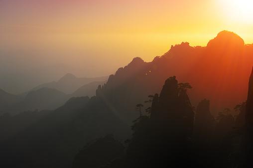 朝顔「日の出の風景、中国・江西省」:スマホ壁紙(14)
