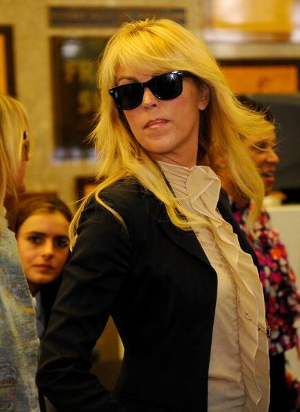 Ruffled Shirt「Lindsay Lohan Surrenders」:写真・画像(6)[壁紙.com]