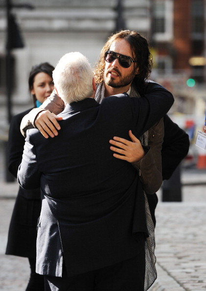 Eamonn M「Russell Brand And Mitch Winehouse Launch The Amy Winehouse Foundation Resilience Programme」:写真・画像(7)[壁紙.com]