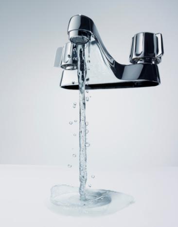 Water「Water Running from Faucet」:スマホ壁紙(16)