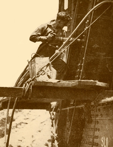 Sydney Harbor Bridge「A Riveting Hammer In Operation On The Sydney Harbour Bridge」:写真・画像(17)[壁紙.com]