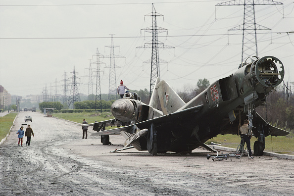 Russian Military「Abandoned Russian Mig Fighter」:写真・画像(1)[壁紙.com]