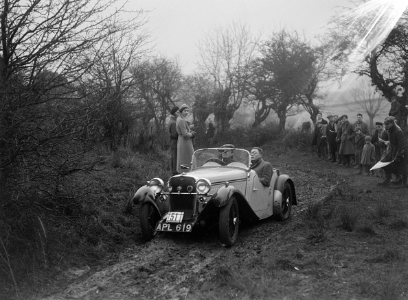 Country Road「Singer open sports of WJD Richardson, Sunbac Colmore Trial, near Winchcombe, Gloucestershire, 1934」:写真・画像(1)[壁紙.com]