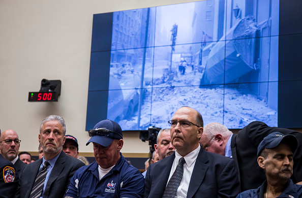 Finance「Former Daily Show Host Jon Stewart Testifies On Need To Reauthorize The September 11th Victim Compensation Fund」:写真・画像(11)[壁紙.com]