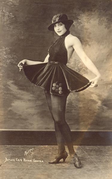 GraphicaArtis「1920s Woman Entertainer」:写真・画像(2)[壁紙.com]