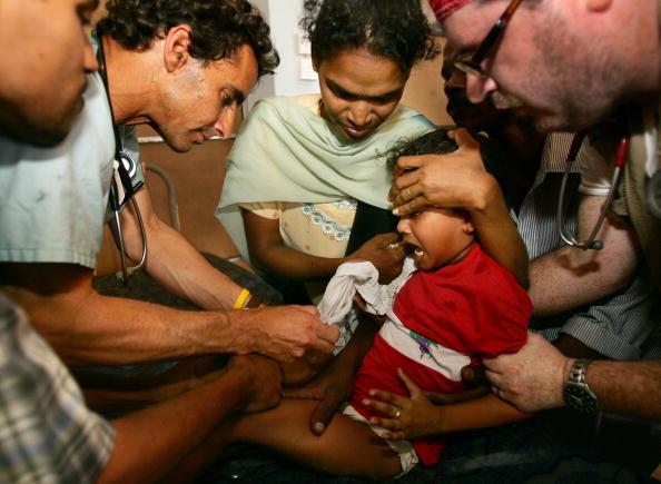 Sri Lanka「Tsunami Rescue And Relief Effort Continues」:写真・画像(14)[壁紙.com]