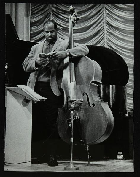 楽器「American double bassist Eddie Jones, Welwyn Garden City Cinema, Hertfordshire, 29 September 1967. .」:写真・画像(6)[壁紙.com]