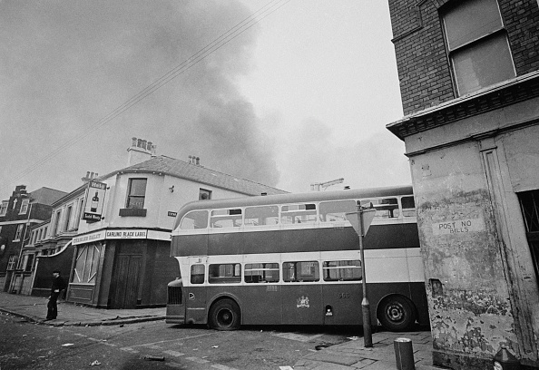 Road「Northern Ireland Riots」:写真・画像(19)[壁紙.com]