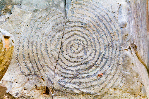 Archaeology「Geometric Rock Carving」:スマホ壁紙(12)