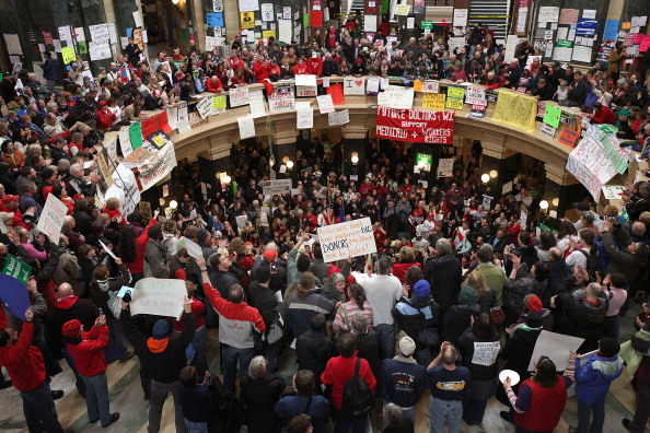 Architectural Feature「Protests Continue As Wisconsin Budget Impasse Drags On」:写真・画像(19)[壁紙.com]